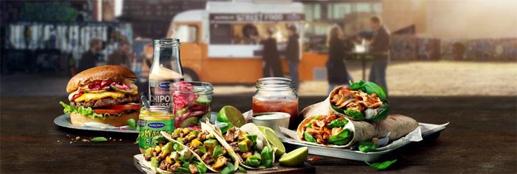 santa maria bjuder på gratis street food