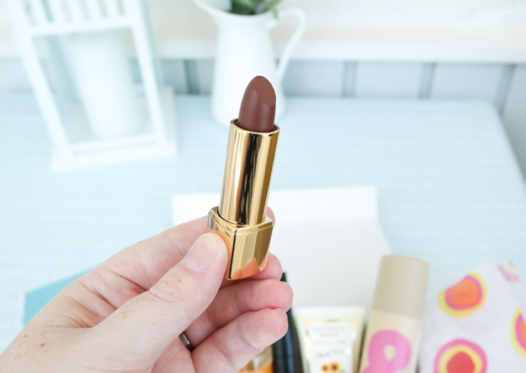 nevin lipstick